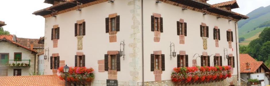 Fachada de la Posada/Palacio